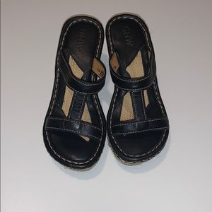 GNW Leather Wedge Sandals